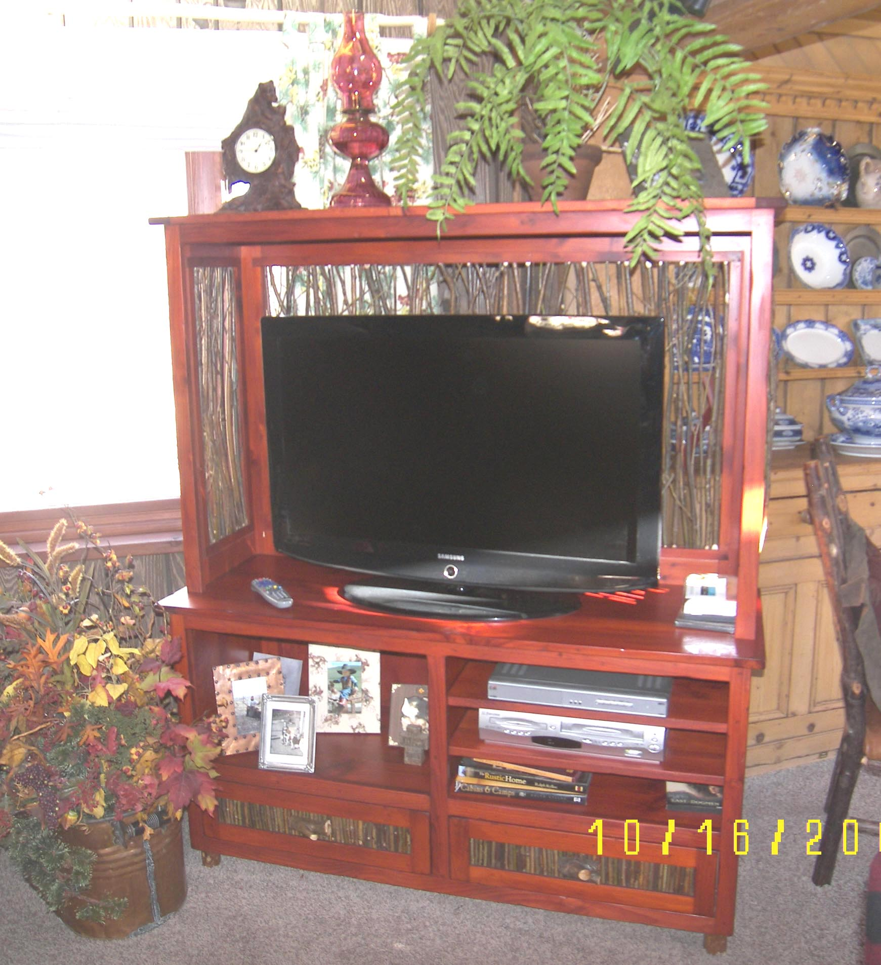 Willow And Red TV Cabinet